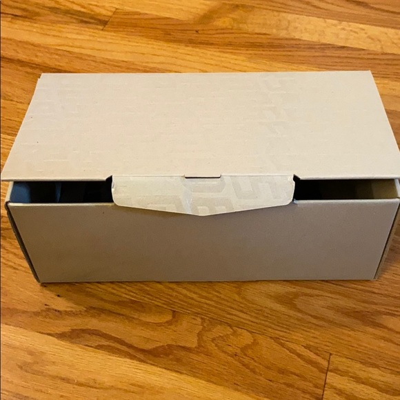 Golden Goose Shoes | Box With Dust Bag